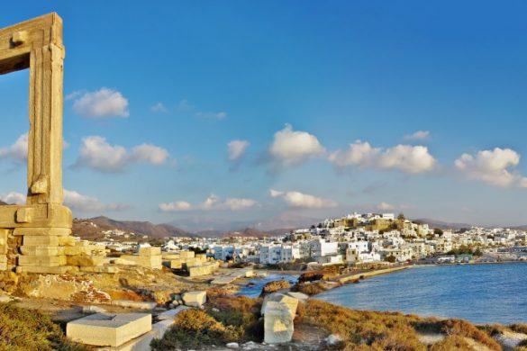 Faszinierendes Wahrzeichen Portara auf der griechischen Insel Naxos