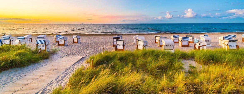 Strandkörbe in Rügen an der Ostsee
