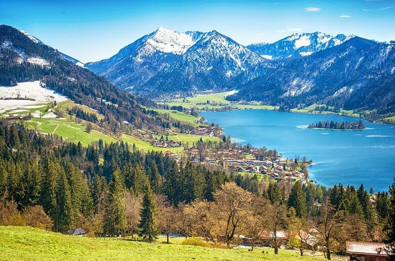 Blick über den Schliersee in Bayern