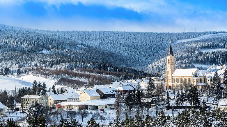 Oberwiesenthal im Erzgebirge im Winter