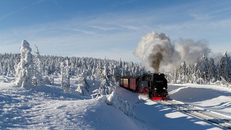 Schmalspurbahn im Harz im Winter
