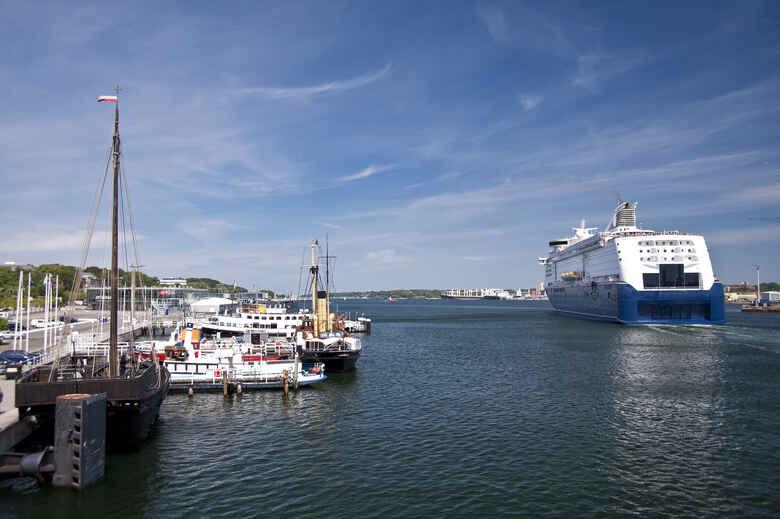 Fähre im Kieler Hafen