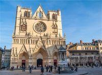 Façade de la Cathédrale Saint-Jean à Lyon